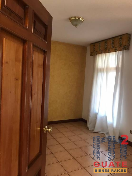 M2Guate-V7244-Casa-en-Venta-Mixco