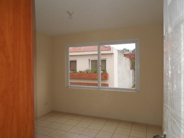 M2Guate-V1446-Casa-en-Venta-Mixco
