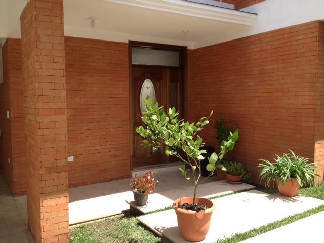 M2Guate-V1356-Casa-en-Venta-Guatemala-Zona-16